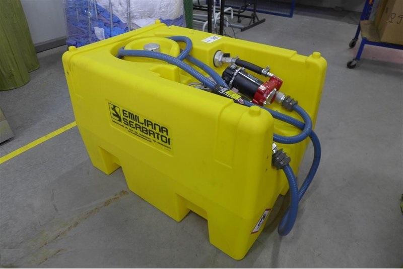 Portable Gas Containeres : Emiliana serbatio portable diesel def fuel tanks gal