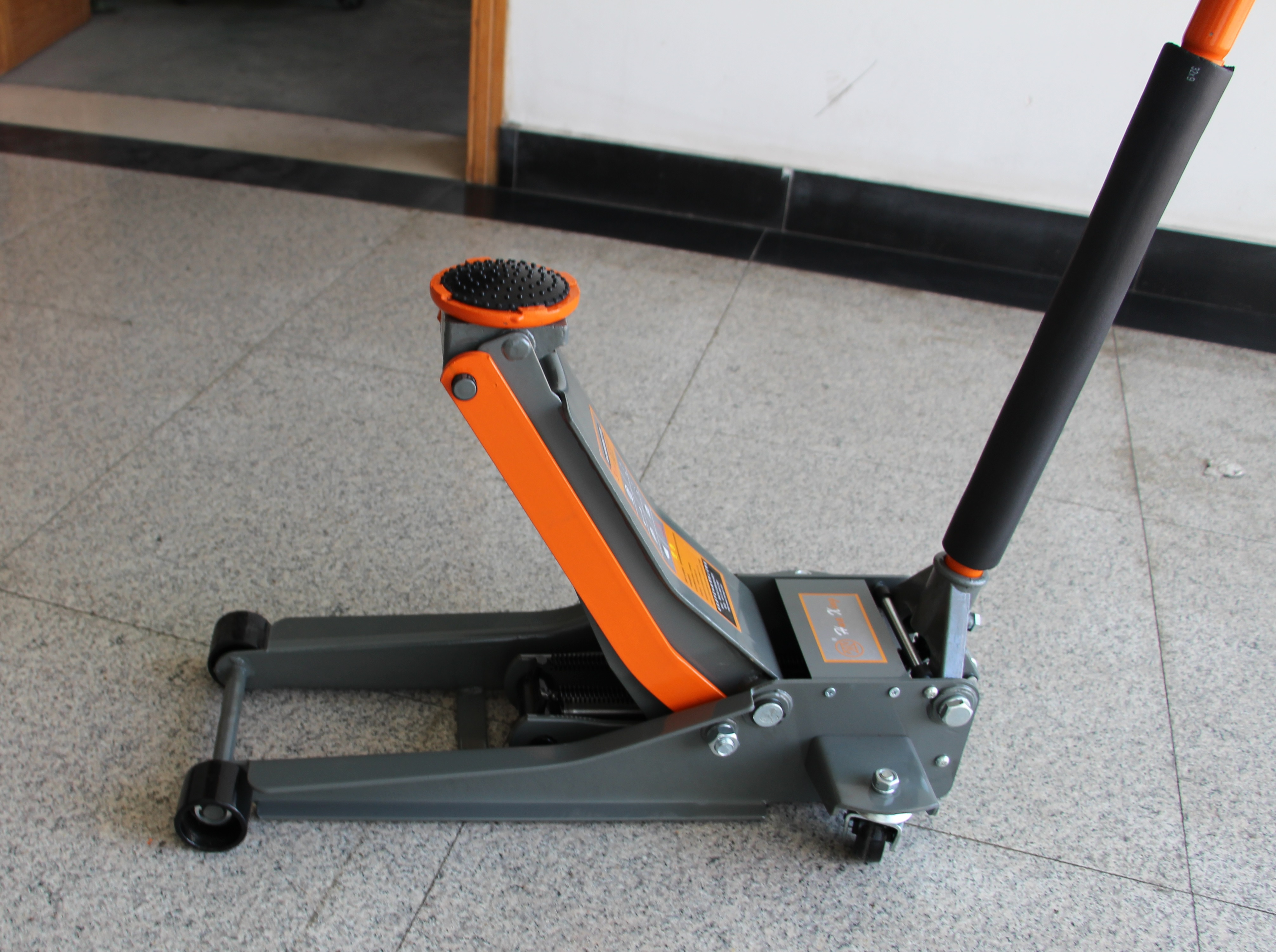 New 6600 Lbs Steel Hydraulic Low Profile Floor Jack 3 Ton